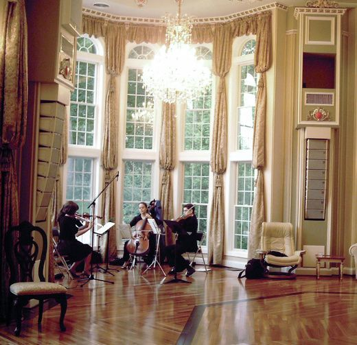 Alexander_Paz_Performance_Room_1.jpg-iC.jpg